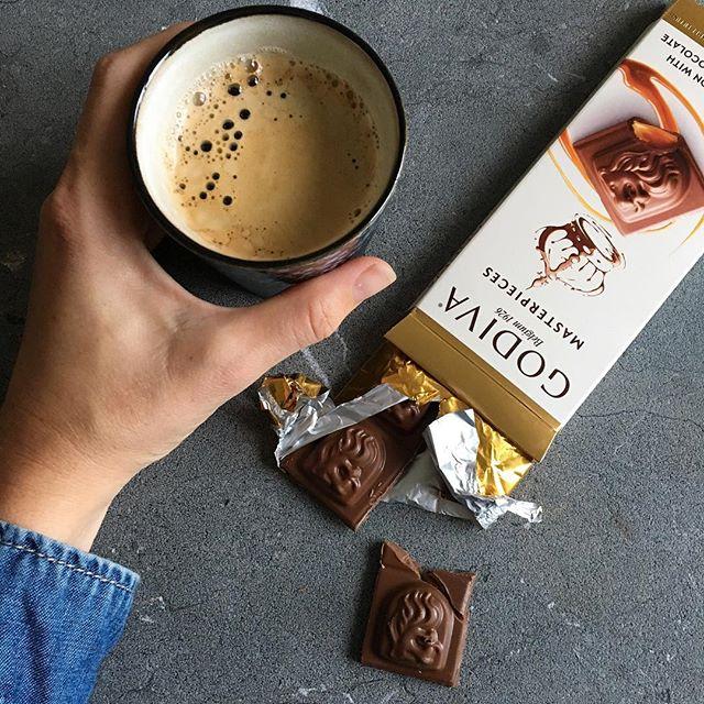 Puur Suzanne Instagram Godiva Chocolade